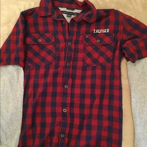 Tommy Hilfiger boys large fits on the small size